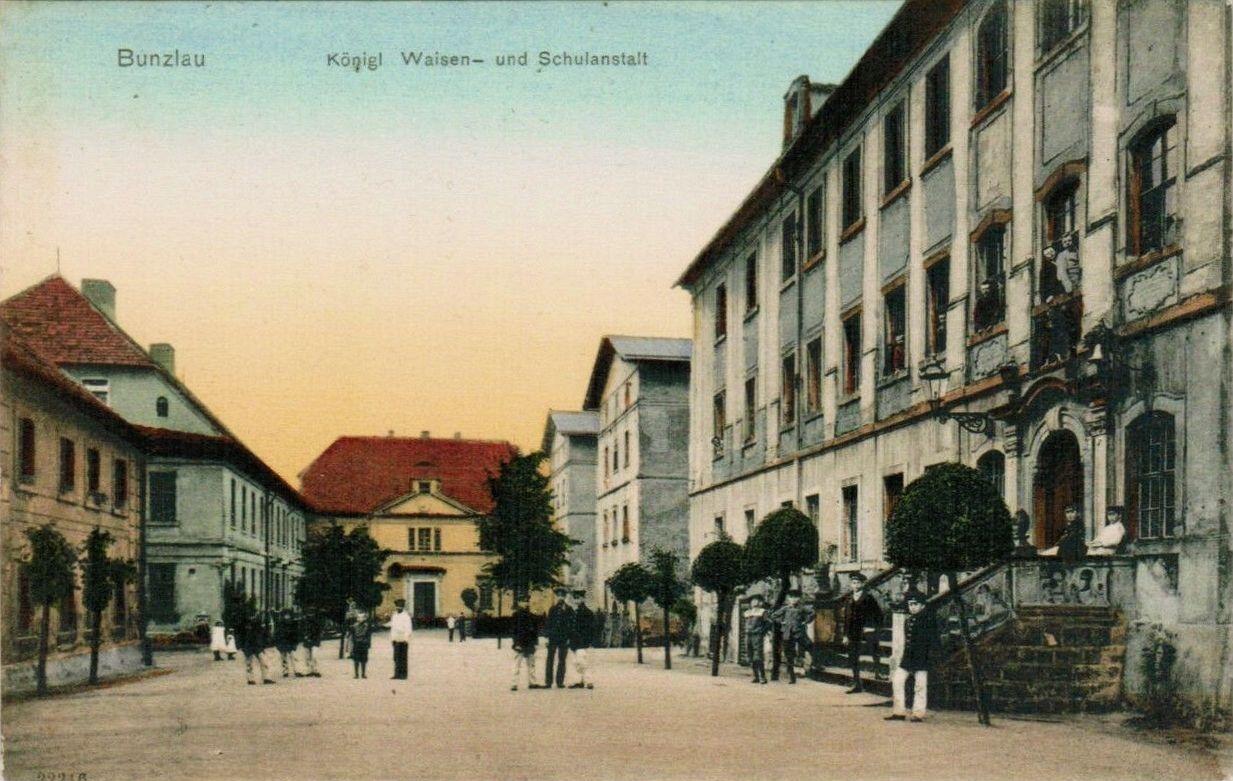 Dawny Królewski Sierociniec (źródło: polska-org.pl)